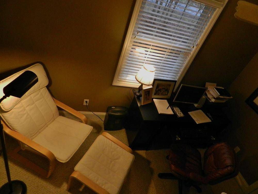 desk & chairs