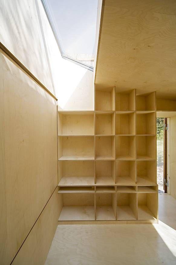 read nest shelves