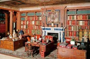 queen mary's dolls house library