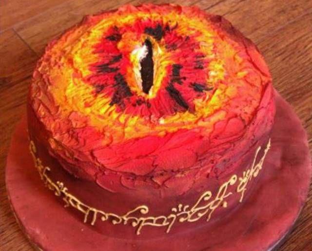 eye-of-sauron-cake