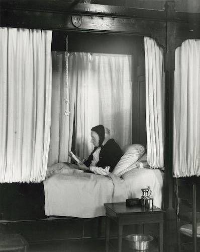 Hopital de Beau, France (elderly woman in bed), 1929