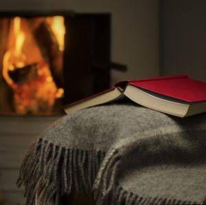 Cozy-warm-room-book-blanket