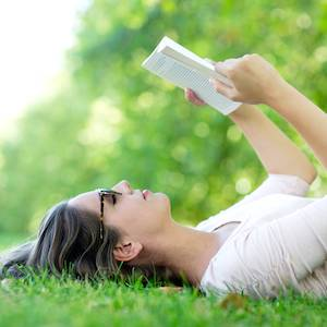 The Girls of Summer: The Well-Readheads Pick Satisfying Summer Reads