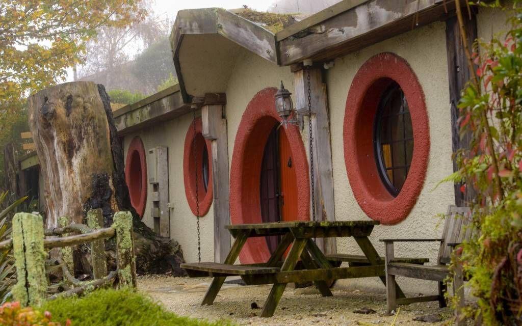 hobbit motel 2