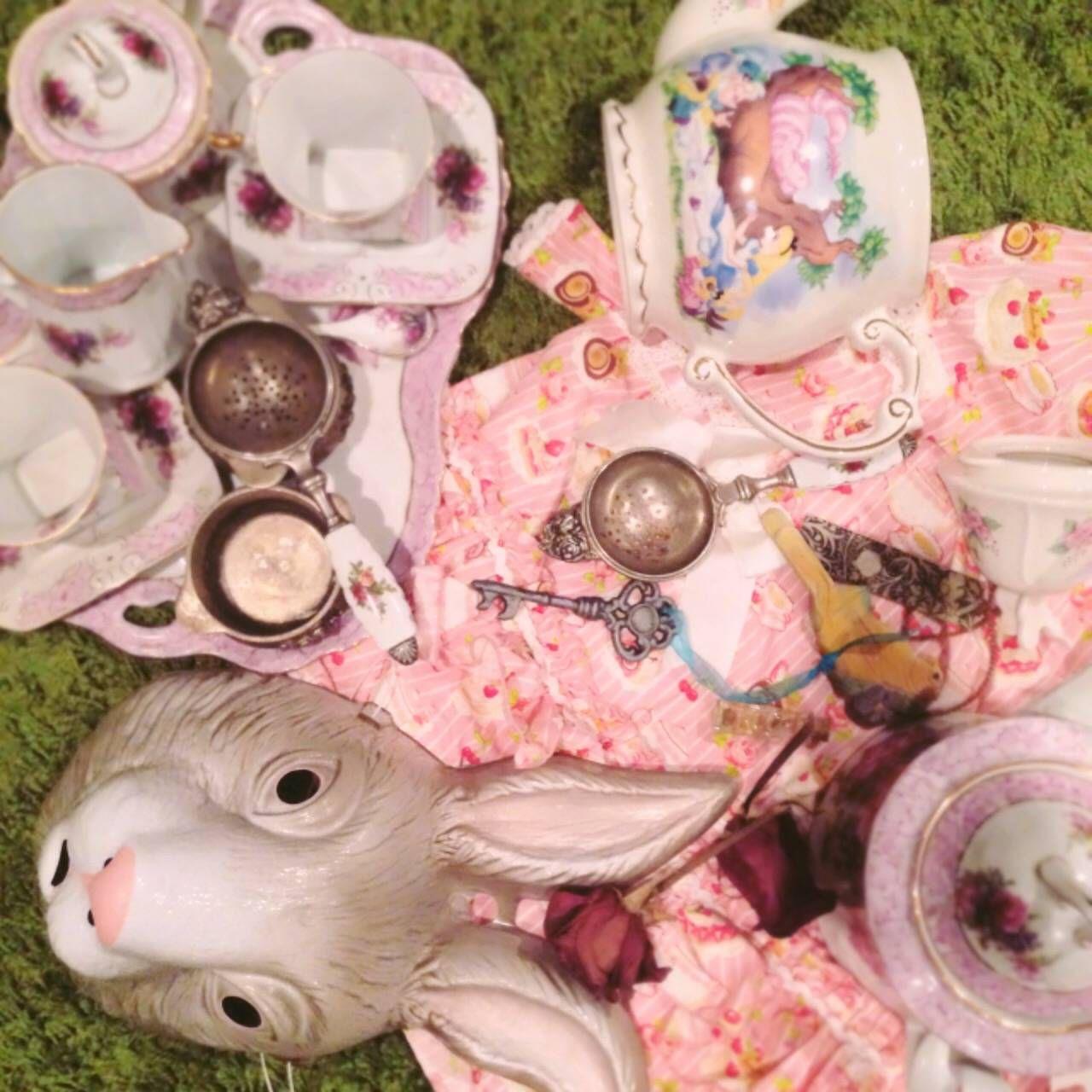 Alice-Wonderland-Tea-Instagram