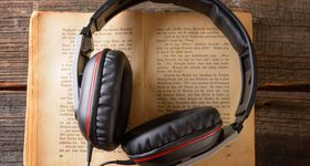 25 Outstanding Podcasts for Readers