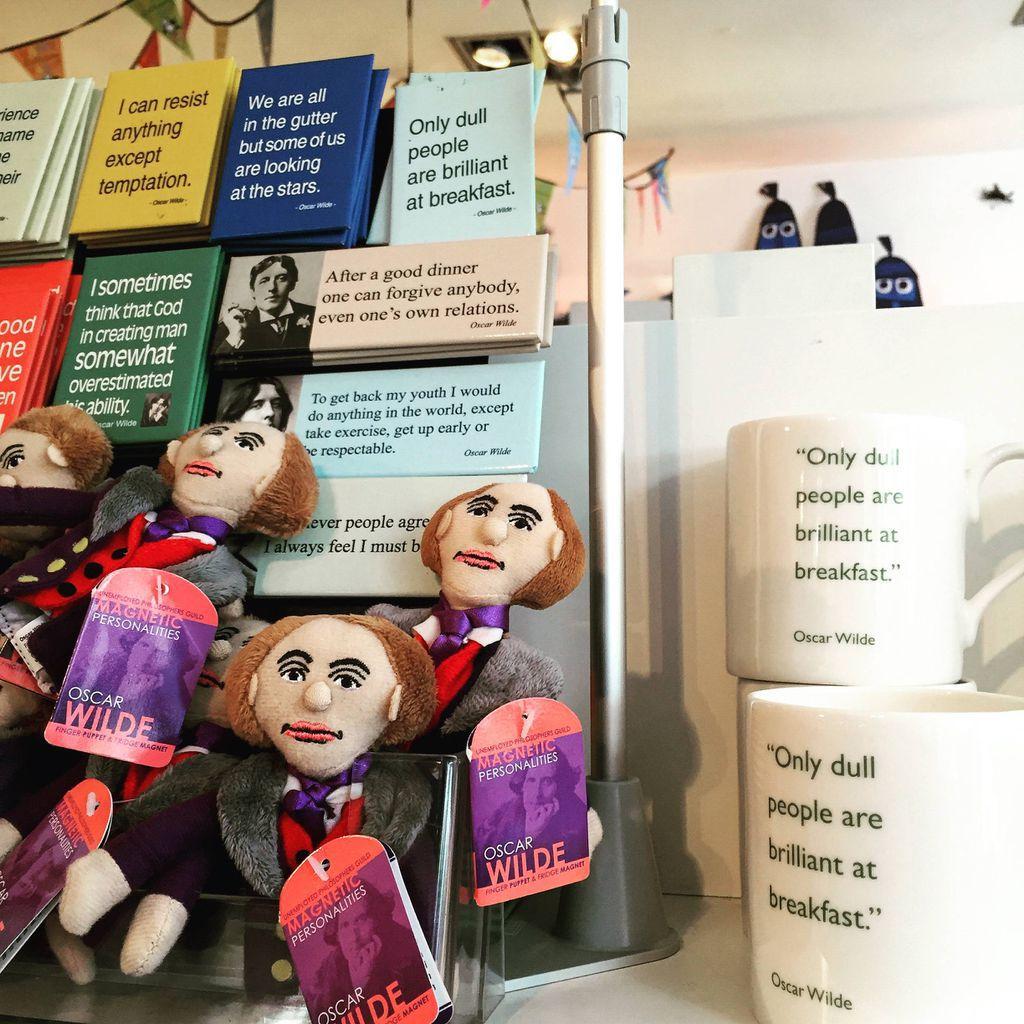 Oscar Wilde magnets in The gutter bookshop dublin