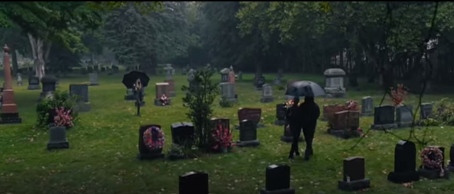 Carrie 2013 Sue in graveyard