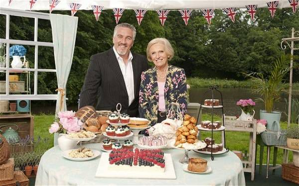 Paul Hollywood and Mary Berry GBBO