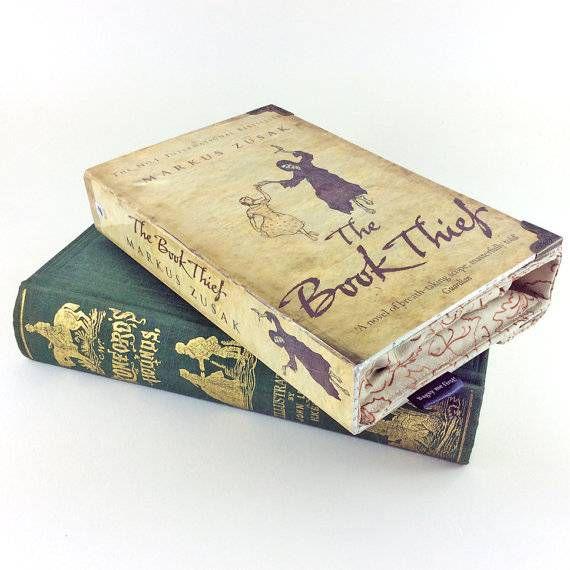 book-thief-purse