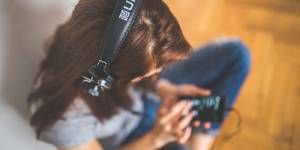 11 Websites To Find Free Audiobooks Online | BookRiot.com