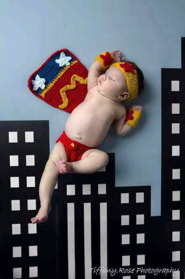 crochet-wonder-woman-baby-photo-prop-etsy-by-jensknottydesigns