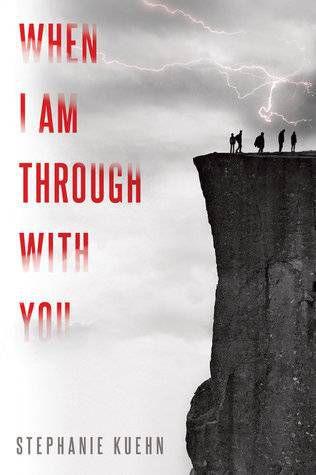 capa do livro quando-eu-estou-com-você-por-stephanie-kuehn