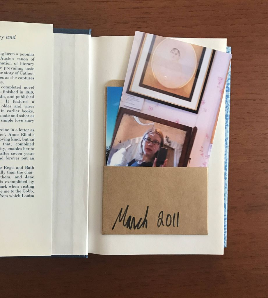 Displaying and Keeping Book Pilgrimage Photos in Book