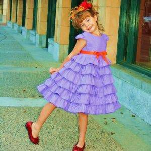 Fancy Nancy kids costume from 9 Bookish Kids' Costumes for Halloween (or Character Day) | BookRiot.com