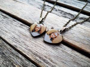 grady sisters friendship necklaces
