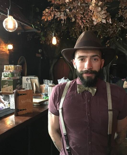 bar manager StoryVille