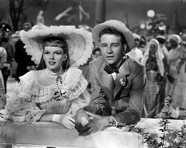 Scene from Meet Me in St. Louis in 10 Movies You Didn't Know Were Based on Books | BookRiot.com