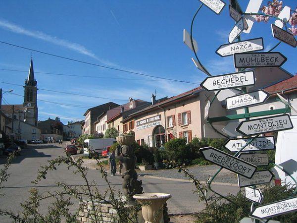 Fontenoy la Joute's famous signpost | Bookriot.com