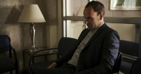 Jonny Lee Miller as Sherlock Holmes in Elementary | Sherlock Holmes' mental health