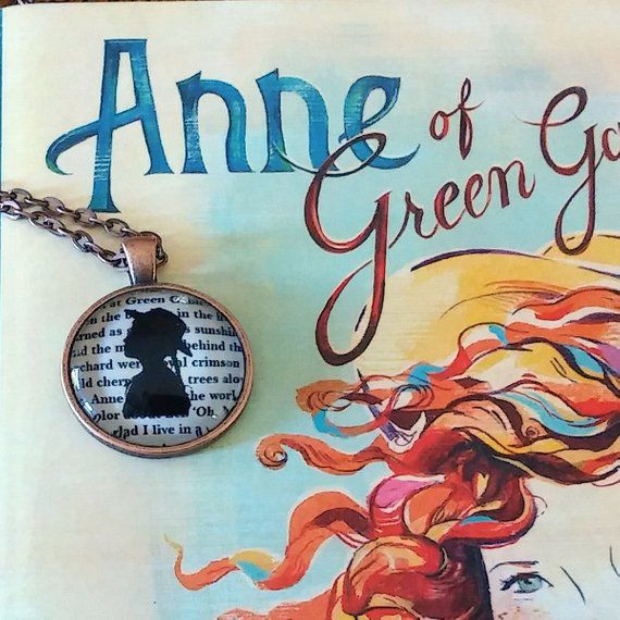 anne shirley silhouette necklace