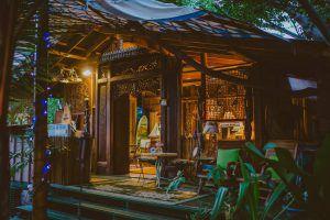 Hawaii Airbnb Reading Retreat