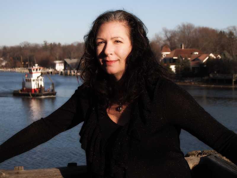 Jacqueline Carey photo by Kim Carey