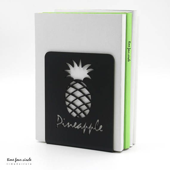Pineapple bookend