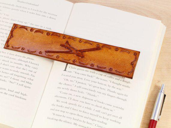leather bookmark glider