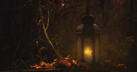 5 Must-Read Creepy Historical Novels to Get You in the Halloween Spirit