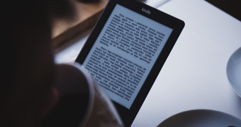 13 Best Free Reading Apps to Take Your Books Everywhere