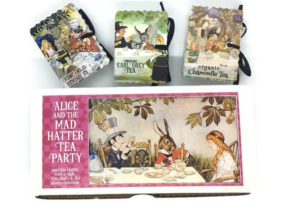 Alice in Wonderland-themed literary tea gift set