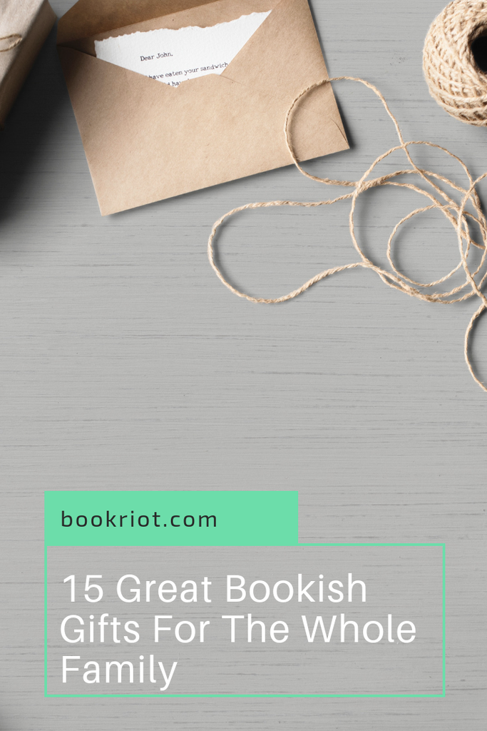 Looking for the perfect gift this season? These 15 bookish gift ideas are perfect for the whole family. lists | gift guides | book gifts for the whole family