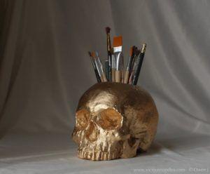 gold skull gifts for english teachers pen holder