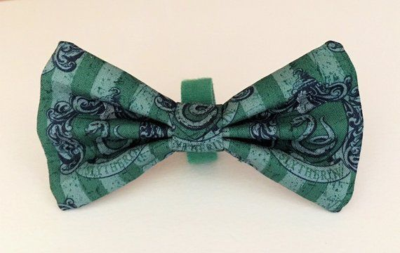 picture-of-slytherin-dog-bowtie