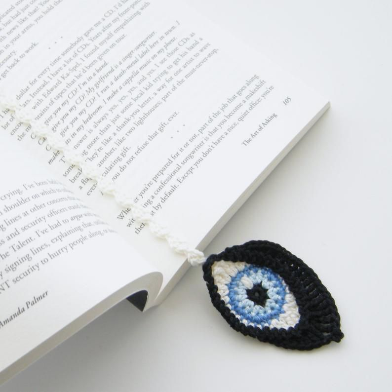 crochet eyes bookmark from curio crafts room