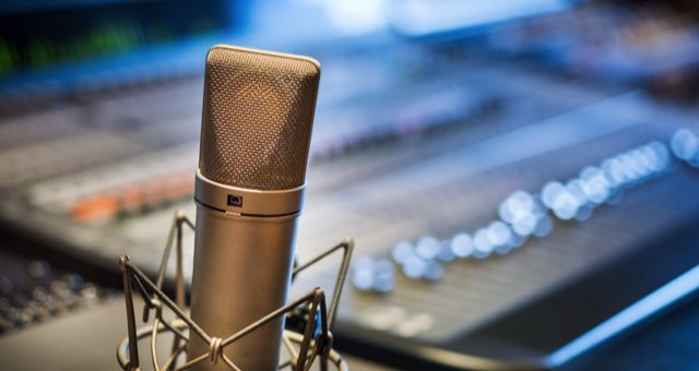 podcast microphone feature 640x340
