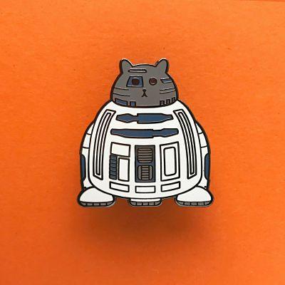 Star Wars R2D2 droid as a fat cat enamel pin