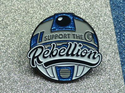Star Wars R2D2 droid enamel pin with the text 'Support the Rebellion'