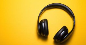 audiobooks headphones feature 640x340
