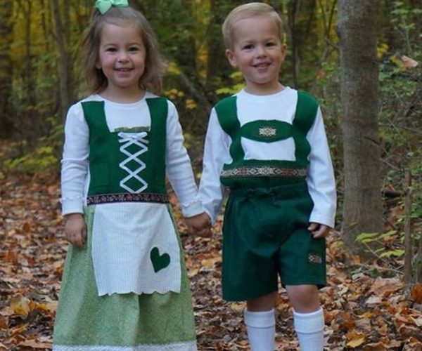 Hansel and Gretel Costumes from Bookish Etsy Costumes | bookriot.com