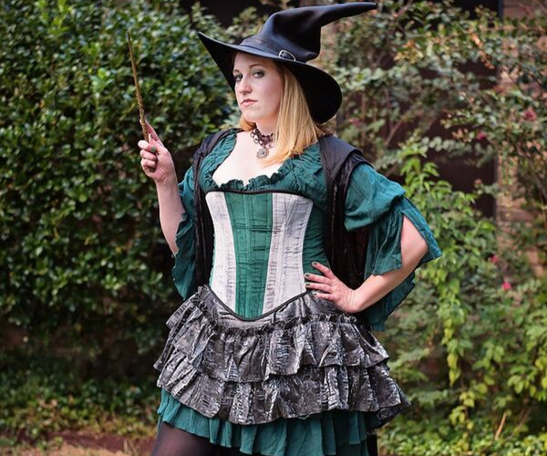 Steampunk Slytherin Dress from Bookish Etsy Costumes | bookriot.com