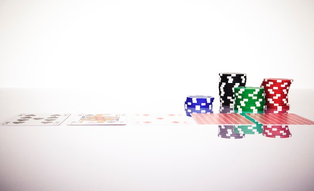 The 21 Best Poker Books for Beginners, Experts, and Enthusiasts