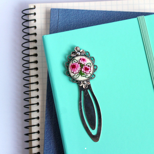Floral embroidered bookmark by NZEmbroideryEmbassy from etsy