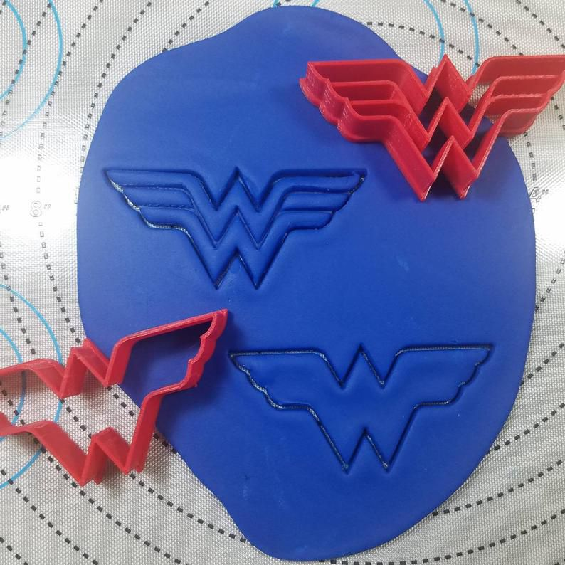 Wonder Woman cookie cutters