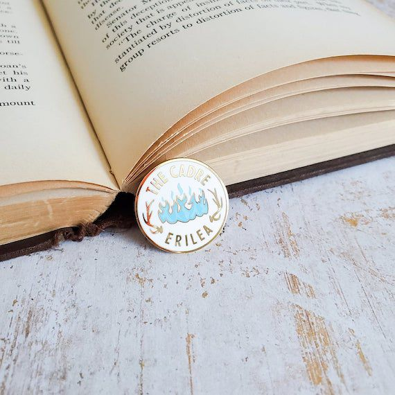 Cadre pin from Throne of Glass series