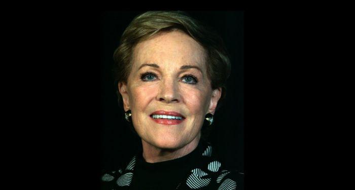 https://commons.wikimedia.org/wiki/Category:Julie_Andrews_in_2013#/media/File:Julie_Andrews_Park_Hyatt,_Sydney,_Australia_2013.jpg