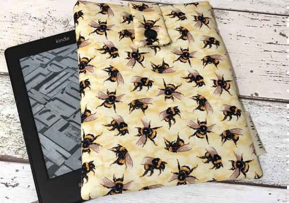 Capa para Kindle de abelhas MelvisMakes Etsy