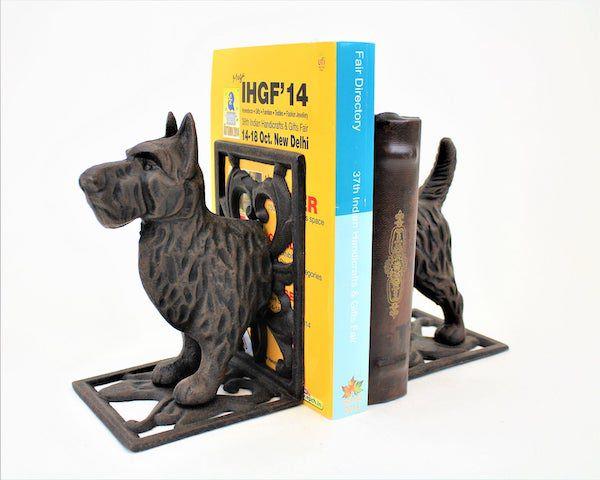 Cast iron dog. Image from Etsy shop.
