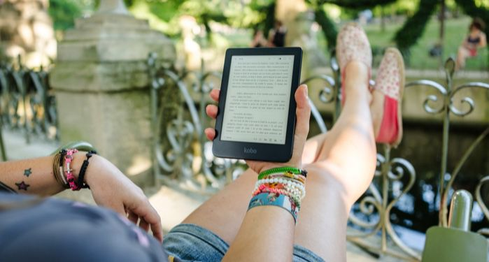 kindle ereader reading summer feature 700x375 1.jpg.optimal